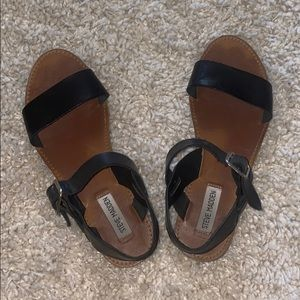 Steve Madden Black Sandals!